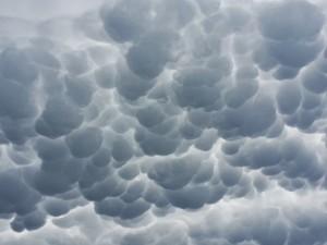clouds-747254_1920