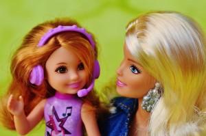 barbie-1267106_1280