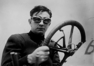 race-car-driver-1386212_1920